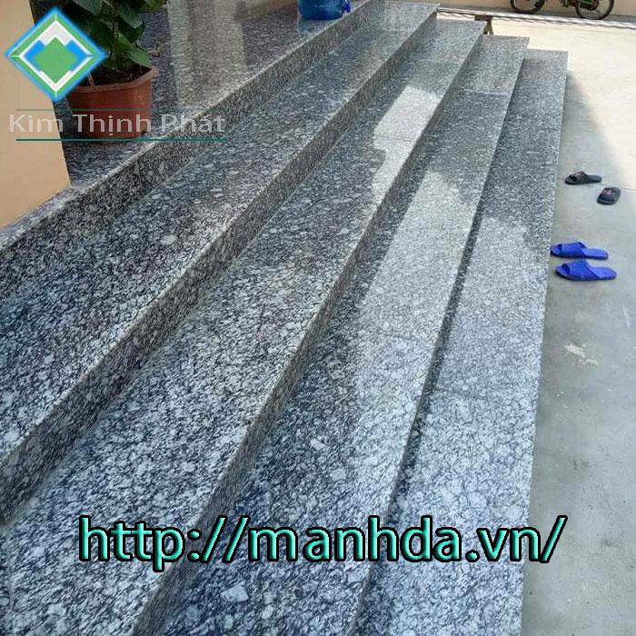Cầu thang đá hoa cương tự nhiên