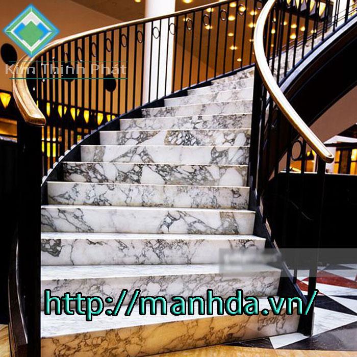 Cầu thang đá hoa cương tự nhiên trắng bianco