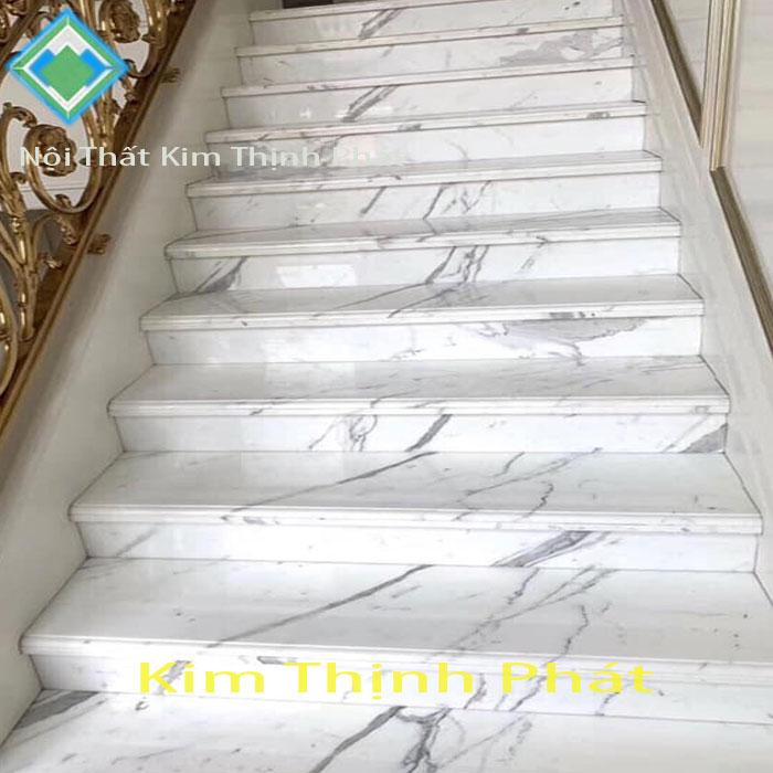 Cầu thang hoa cương tự nhiên trắng vân mây f3