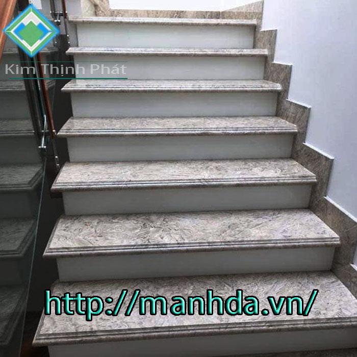 Cầu thang đá trắng xám aman