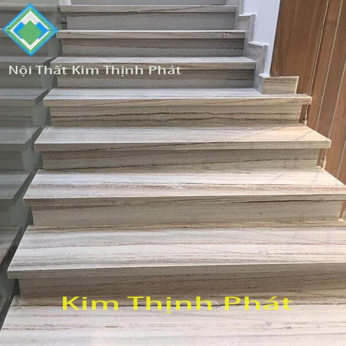 Cầu thang đá trắng xám vân gỗ f1