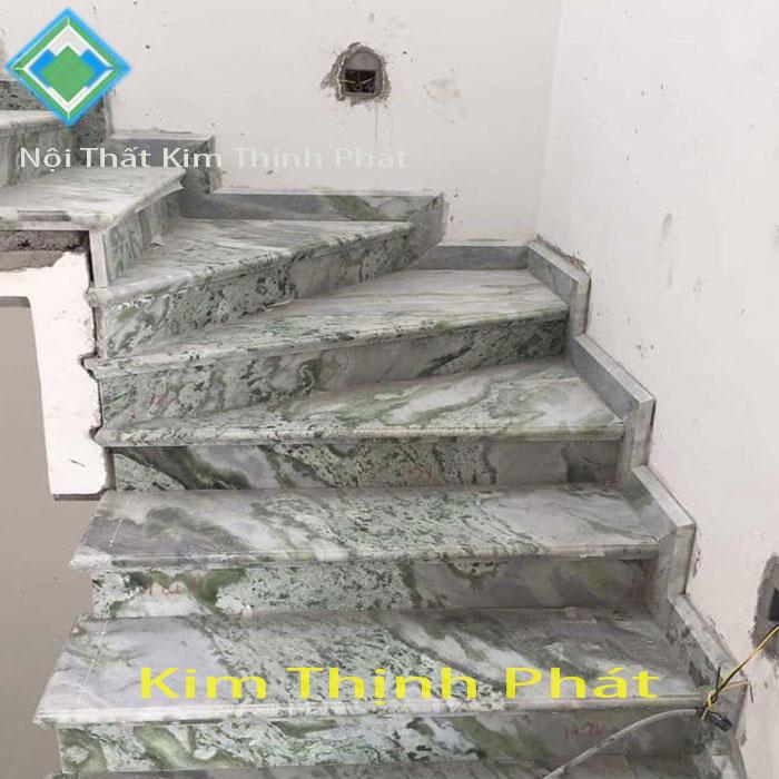 cầu thang đá hoa cương xanh vân mây f2