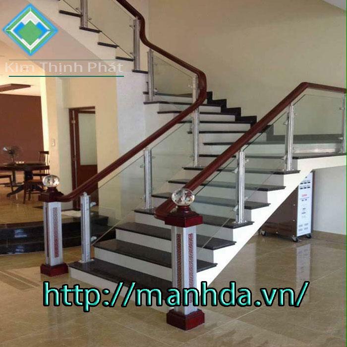 cầu thang đá chung cư